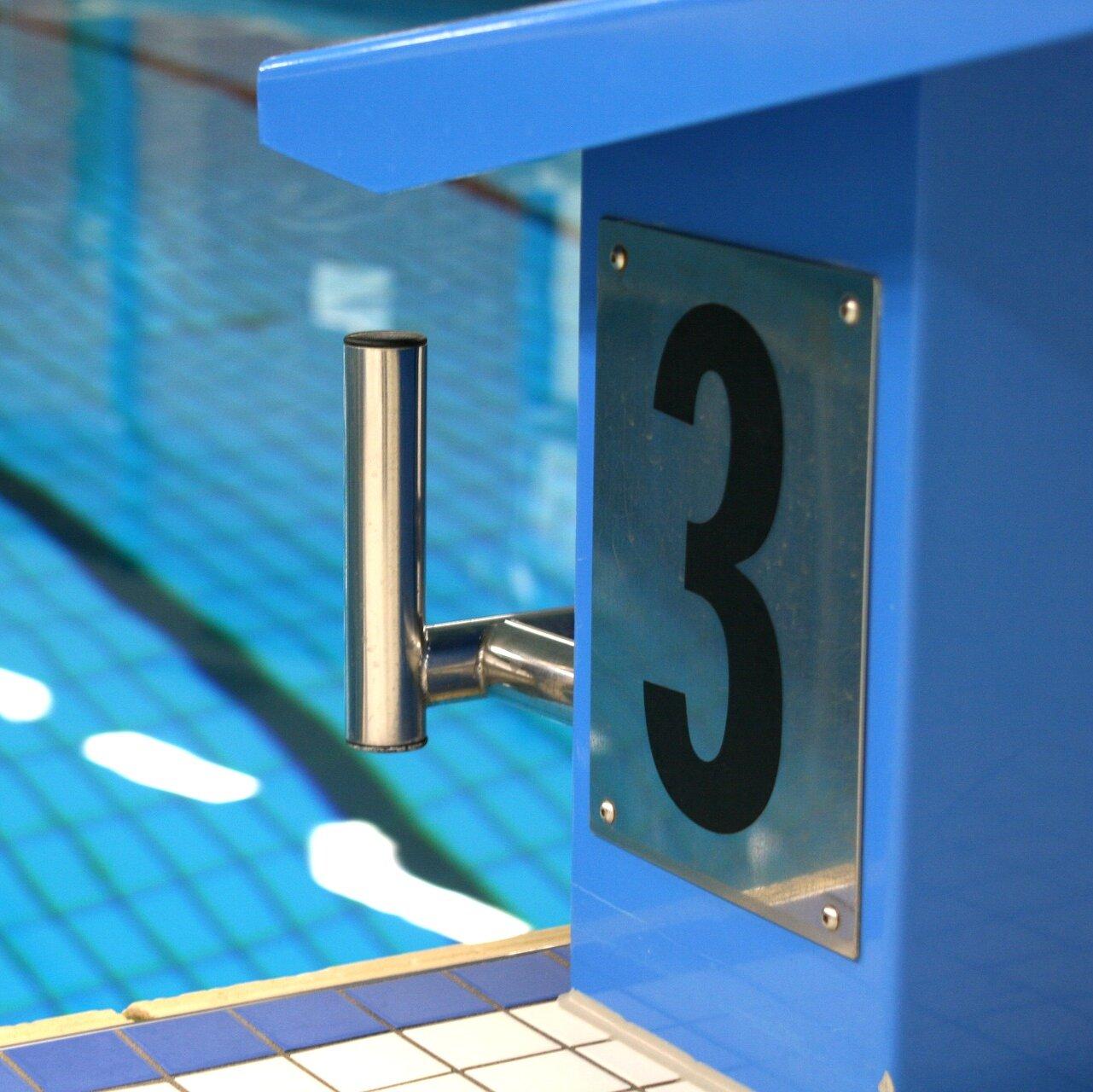 Startblock im Schwimmbad