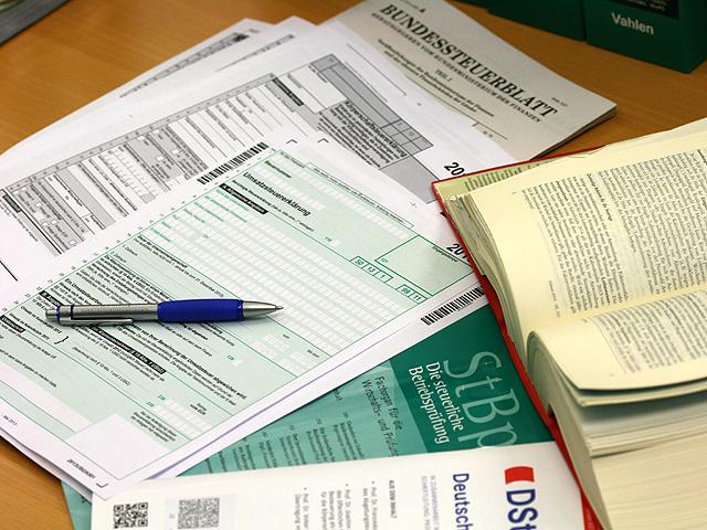 Steuer- und Rechtsformulare